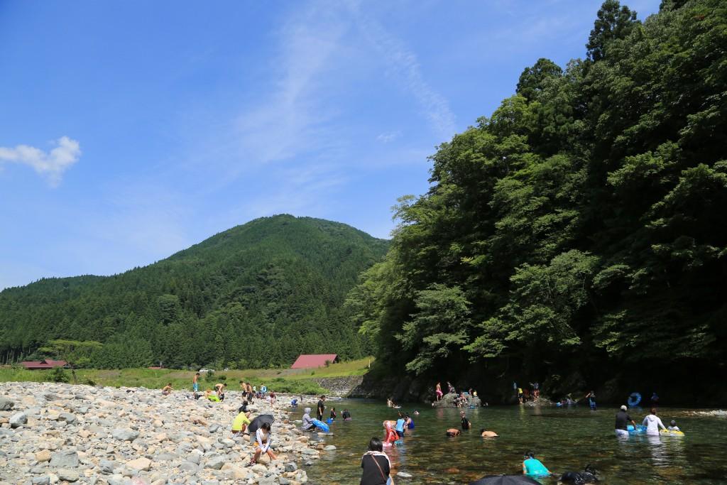 板取川で川遊び