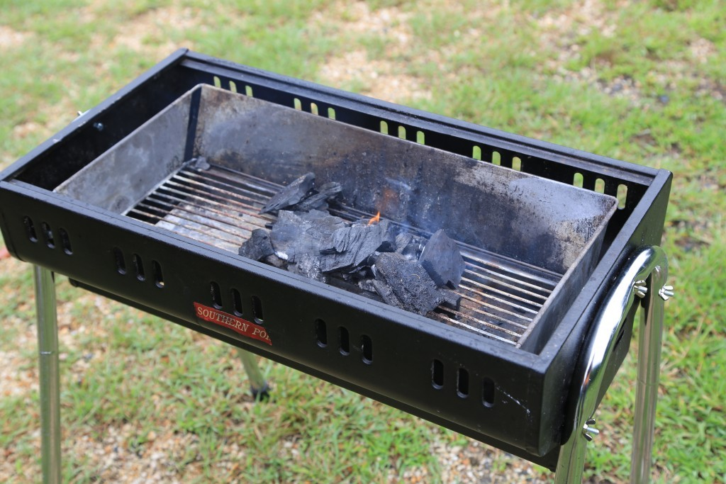 木炭で火起こし
