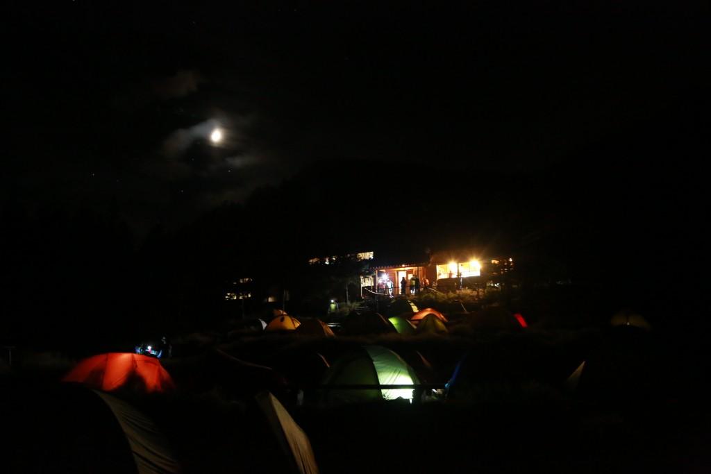聖平小屋テント場の夜1