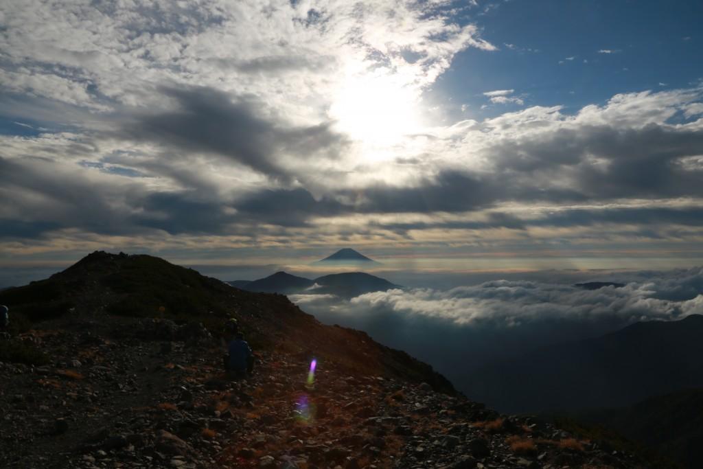 聖岳山頂からの富士山1