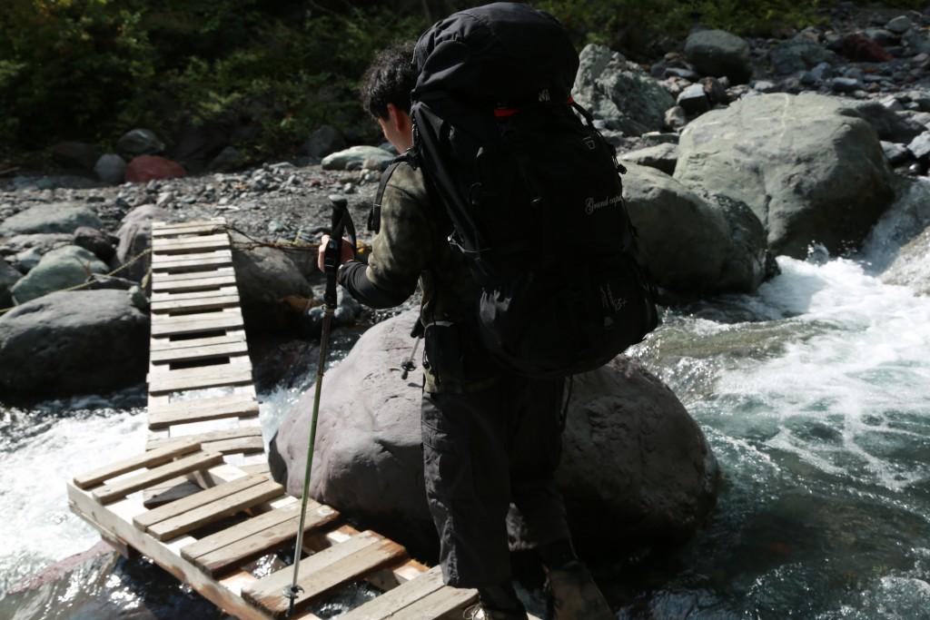 西沢度に架かる橋2