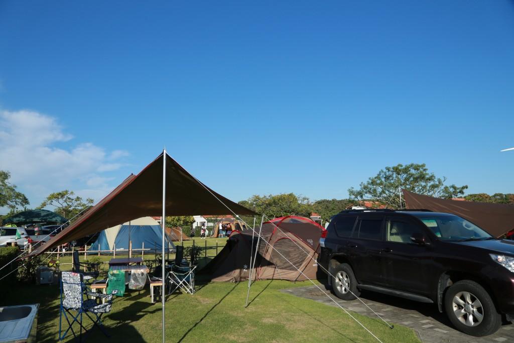 竜洋海洋公園 区画サイト テント・タープ設営後