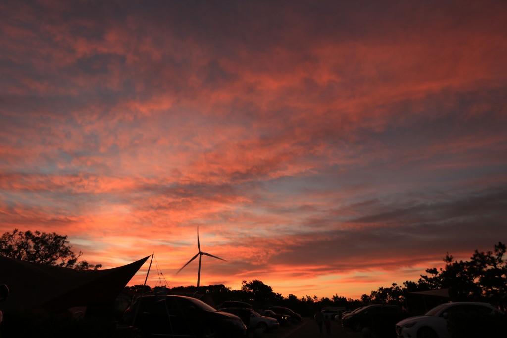 竜洋海洋公園オートキャンプ場の日の出3