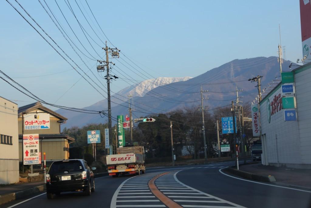 国道から見た伊吹山