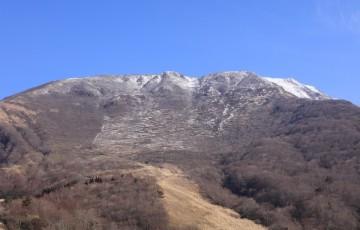 雪の無い伊吹山