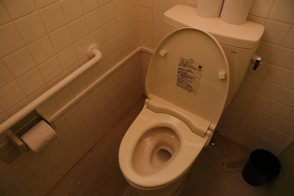 椛の湖オートキャンプ場トイレ2