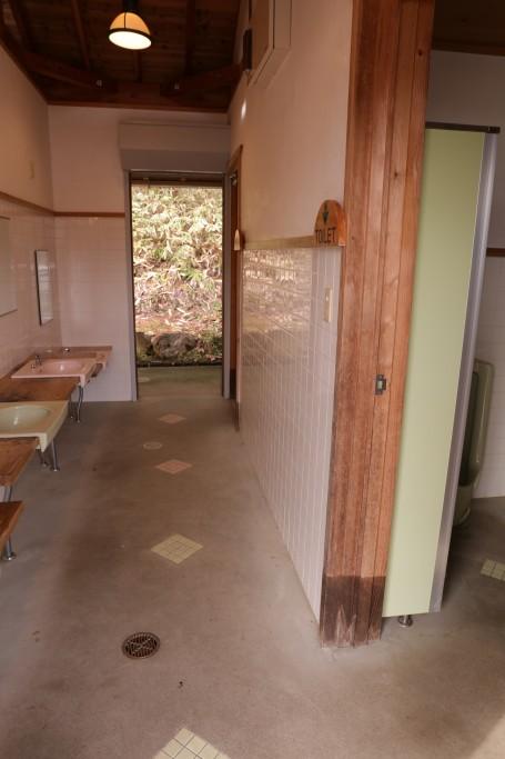 椛の湖オートキャンプ場トイレ1