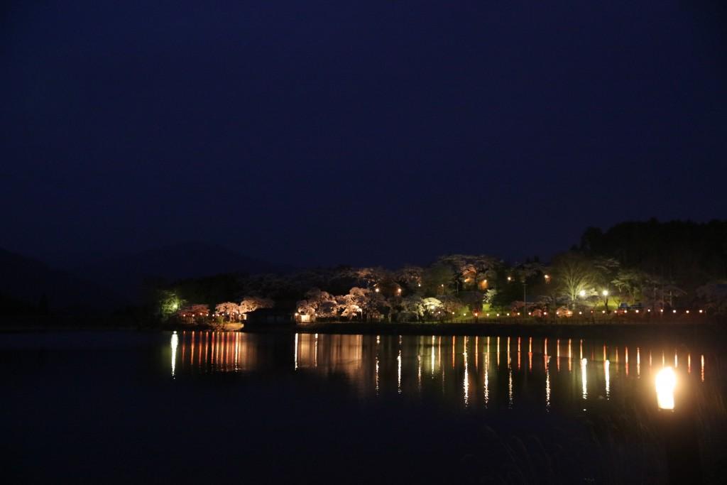 夜の椛の湖