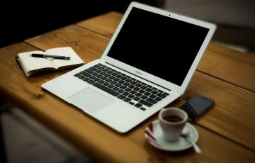 mac book airとコーヒー