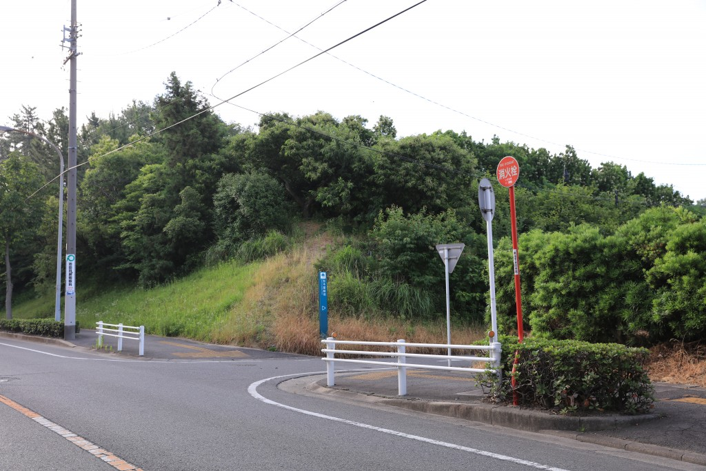 加木屋緑地 第2駐車場までの道1