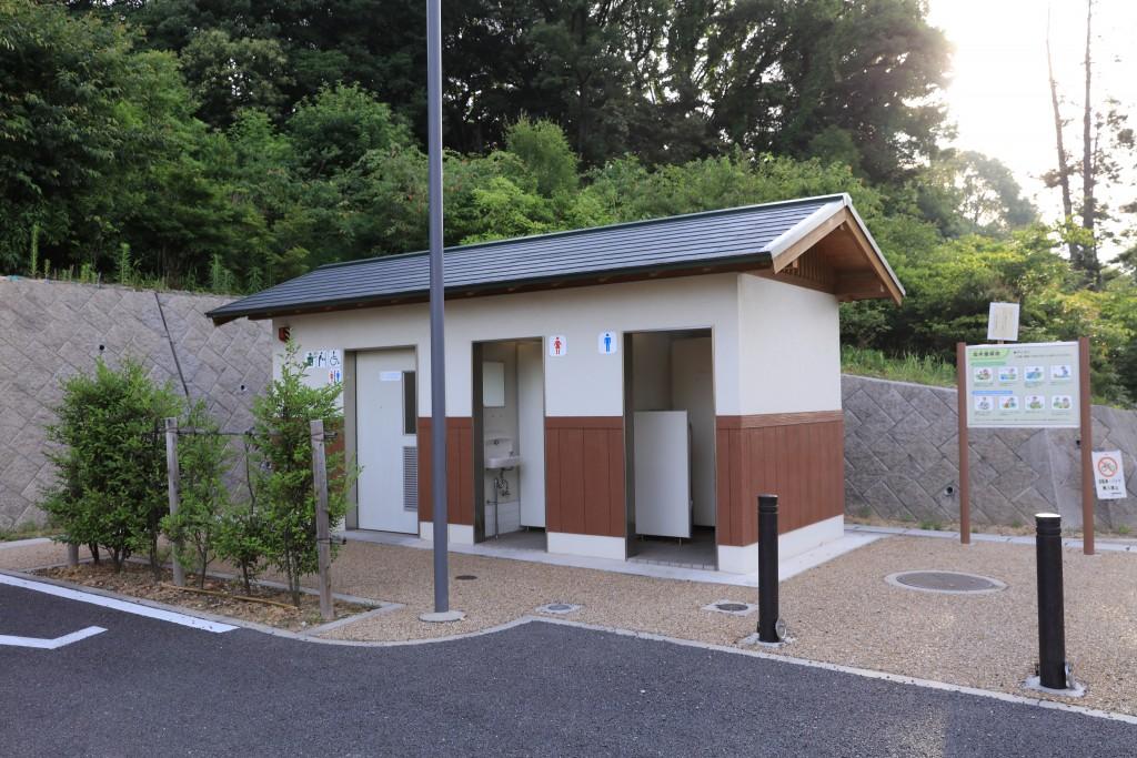 加木屋緑地 第2駐車場 トイレ