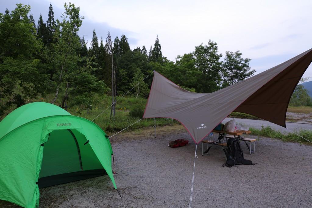 ひだ流葉オートキャンプ場 テントサイト設営後2