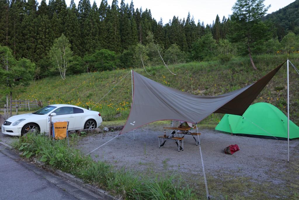 ひだ流葉オートキャンプ場 テントサイト設営後