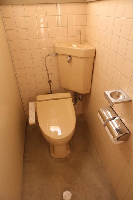 ひだ流葉オートキャンプ場 トイレ2