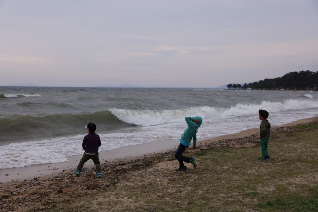 琵琶湖の高波