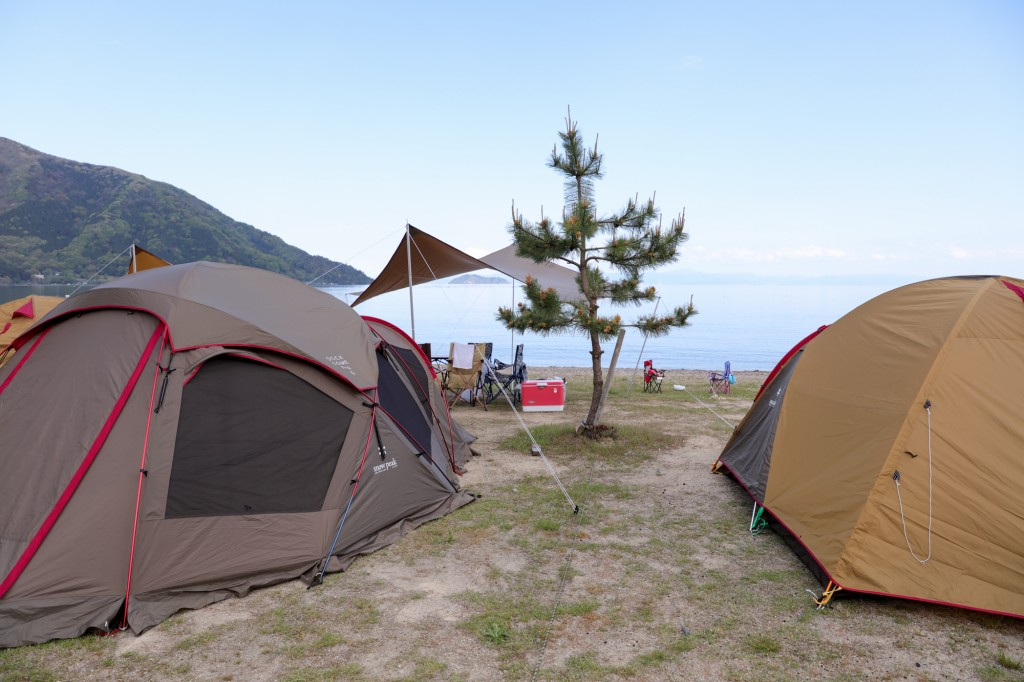 マキノサニービーチ高木浜 琵琶湖のファミリーサイト 設営後