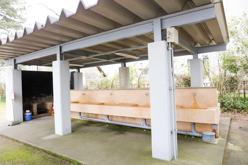 マキノサニービーチ高木浜オートキャンプ場 炊事場 左