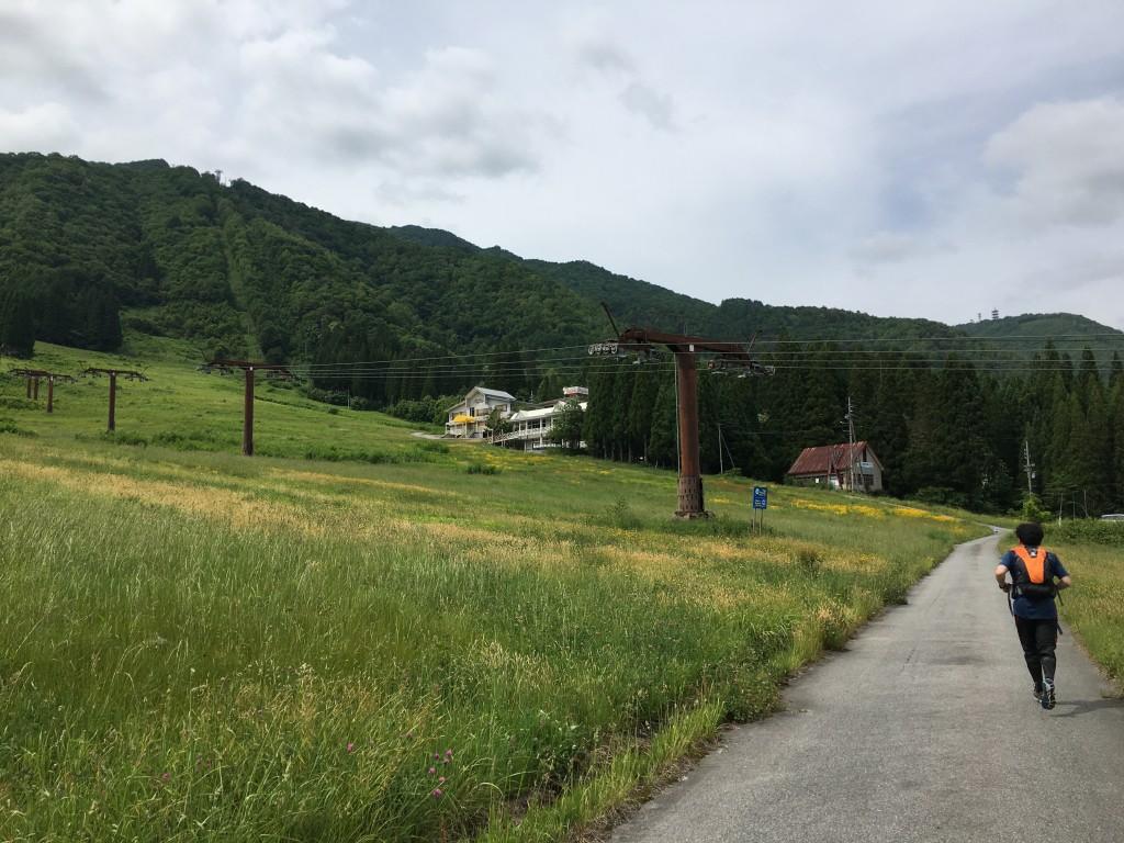 奥飛騨トレイルラン 最後のゲレンデを横断