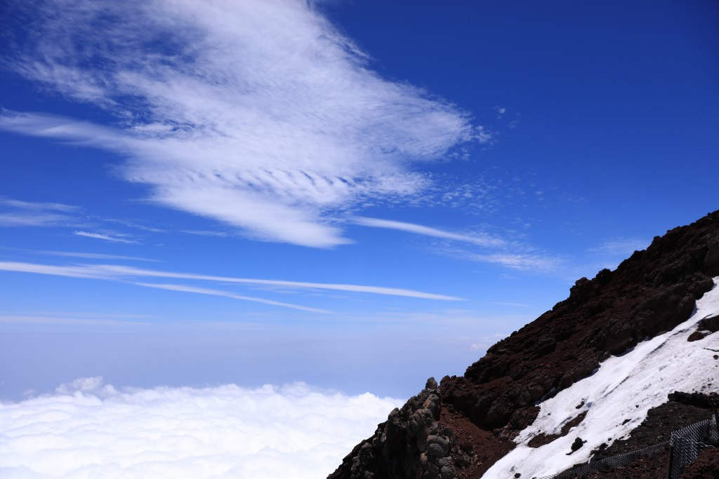 富士山山頂からの眺め2