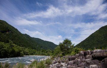奥飛騨温泉郷オートキャンプ場の川