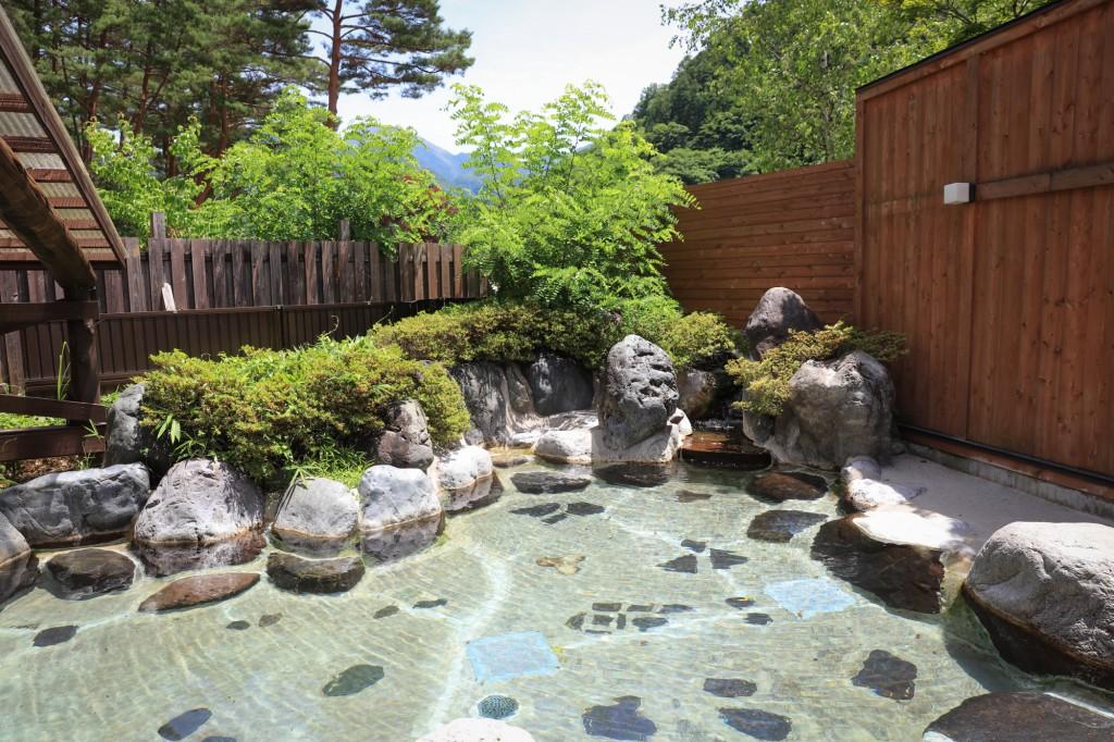 奥飛騨温泉郷オートキャンプ場 天然露天風呂