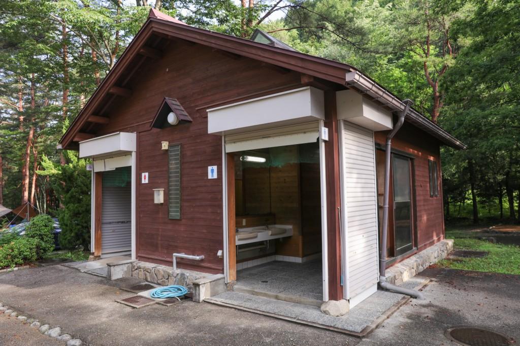 奥飛騨温泉郷オートキャンプ場 トイレ1