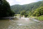 カオレオートキャンプ場で川遊び
