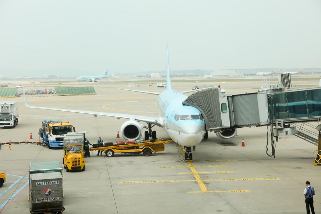 仁川空港に到着