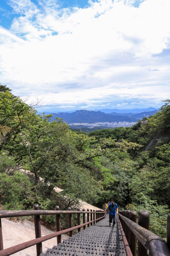 北漢山 登山道からの眺め1