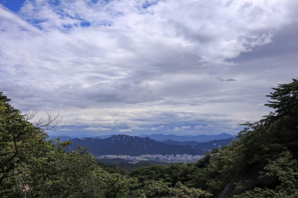 北漢山 登山道からの眺め2