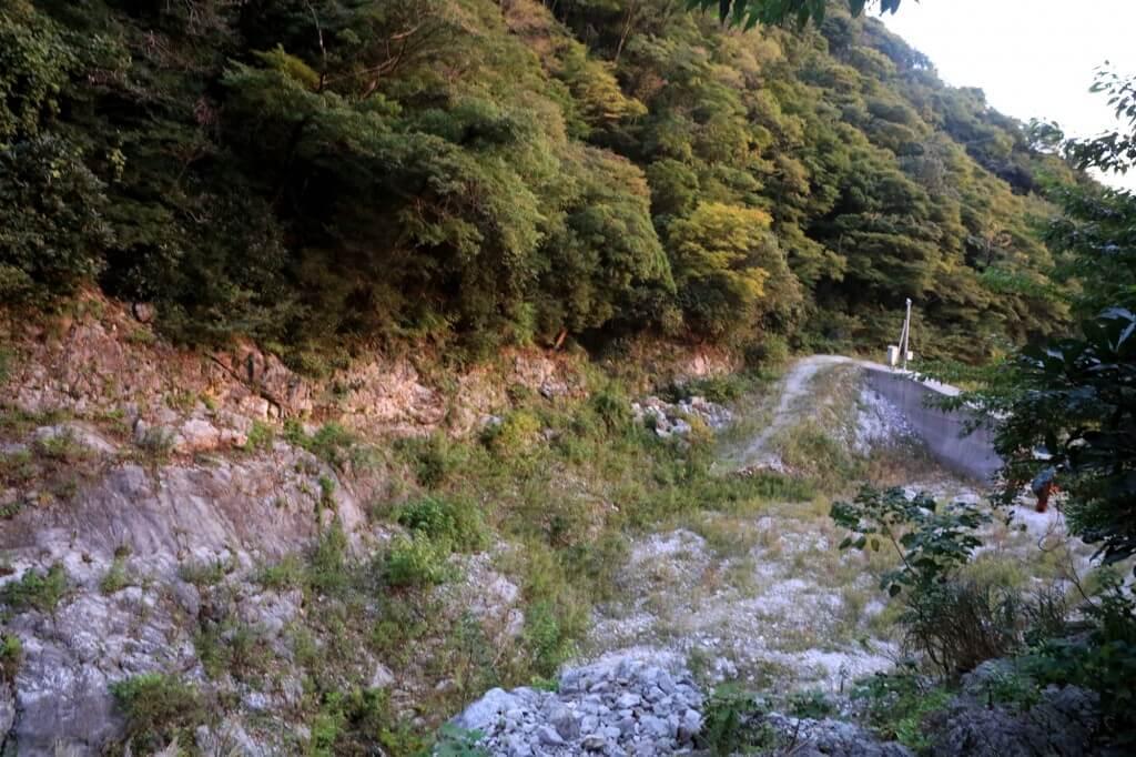 藤原岳 最後のダム付近岩場