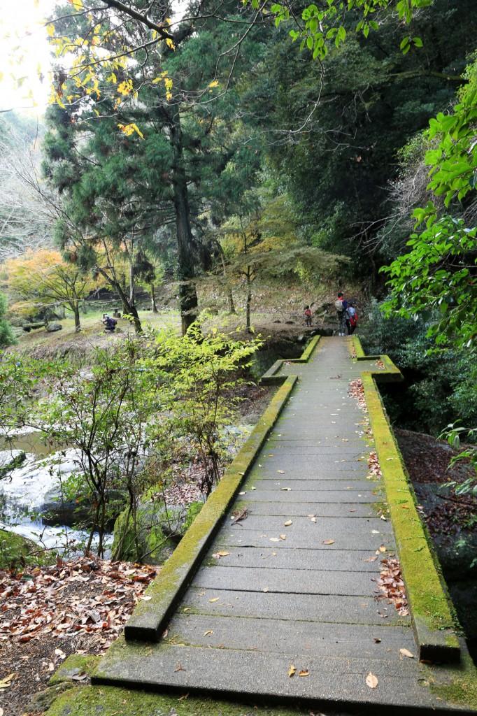 王滝渓谷 歌石園地付近
