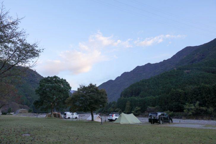 キャンプinn海山 リバーオートサイト