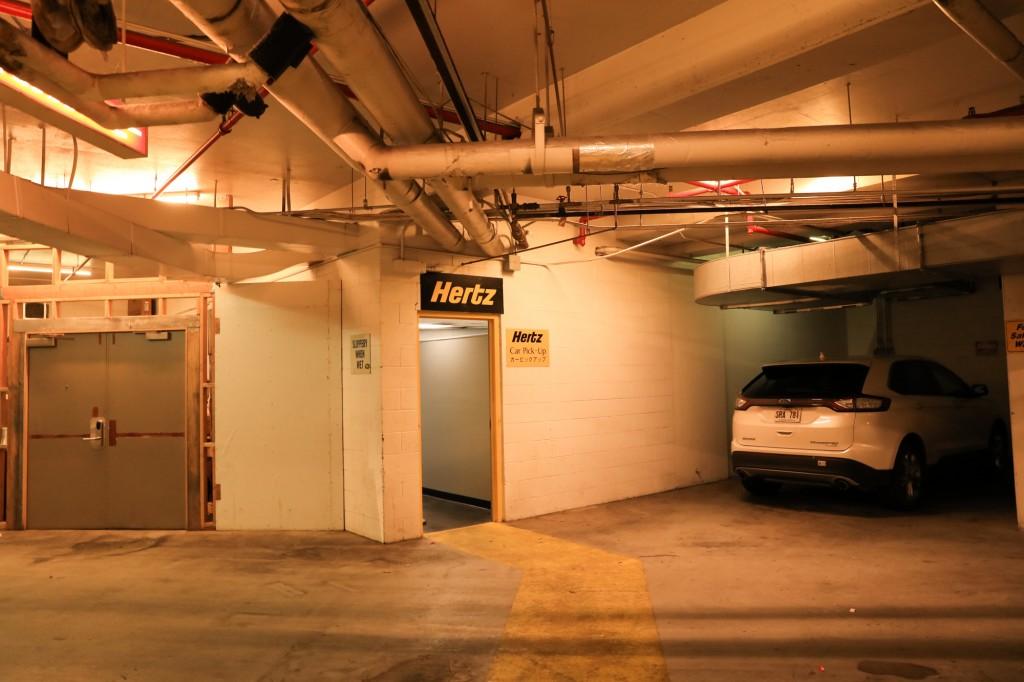 ハーツレンタカー ハイアット・リージェンシー・ワイキキ・リゾート&スパ 地下1