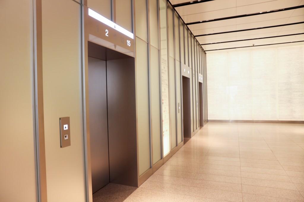 JRゲートタワー 2階エレベーターホール