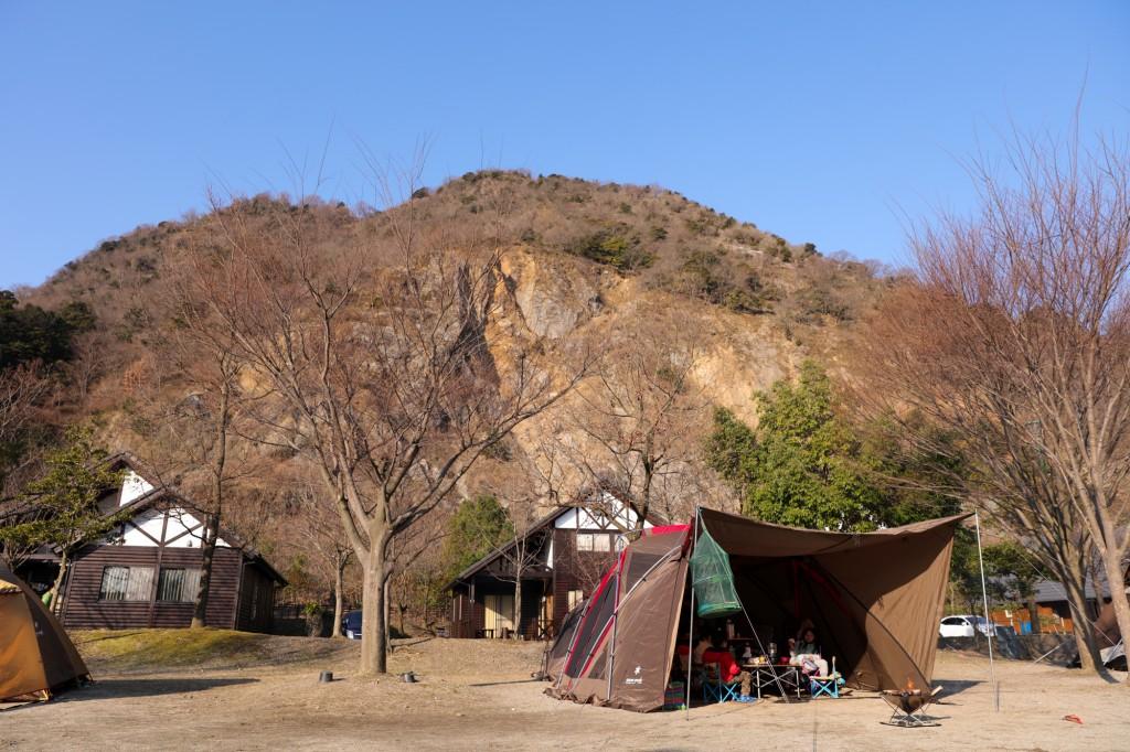青川峡キャンピングパーク フリーサイト 設営後2