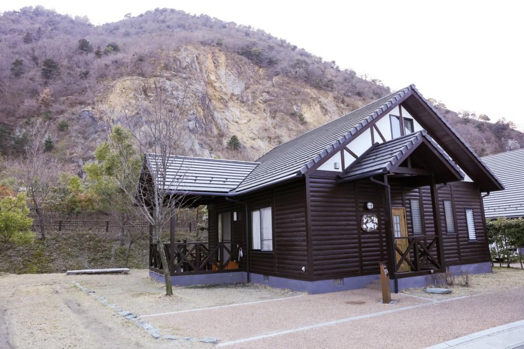 青川峡キャンピングパーク コテージ