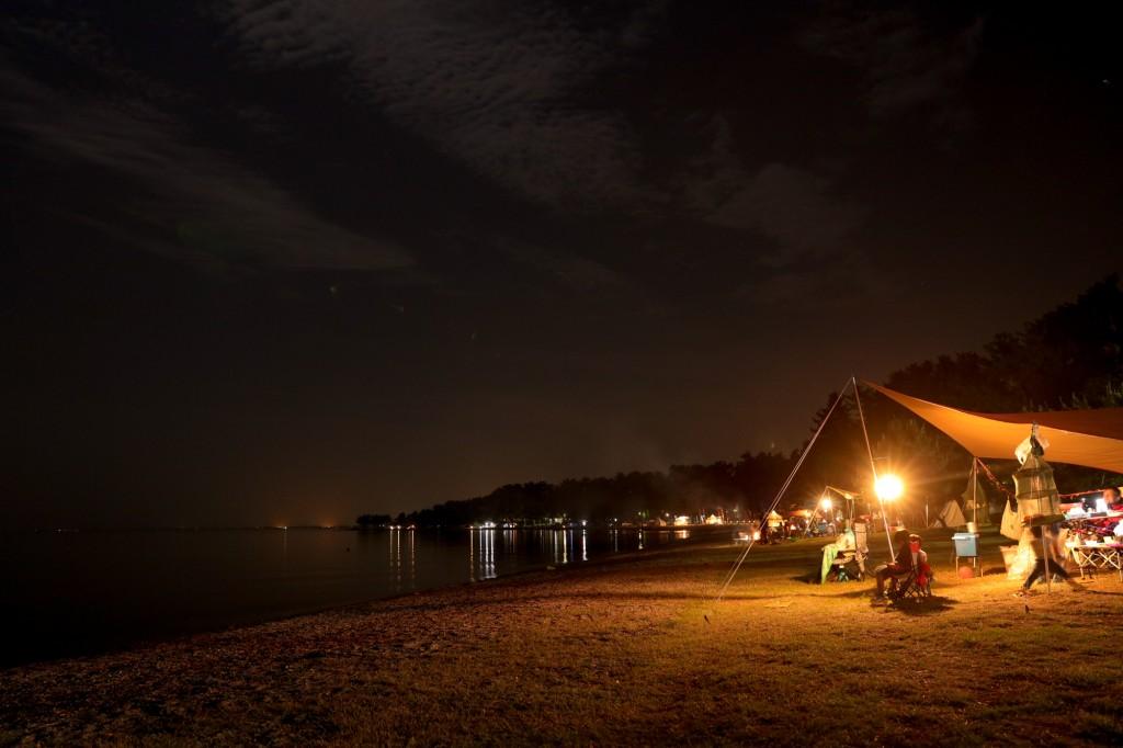 高木浜オートキャンプ場 静かな夜の琵琶湖