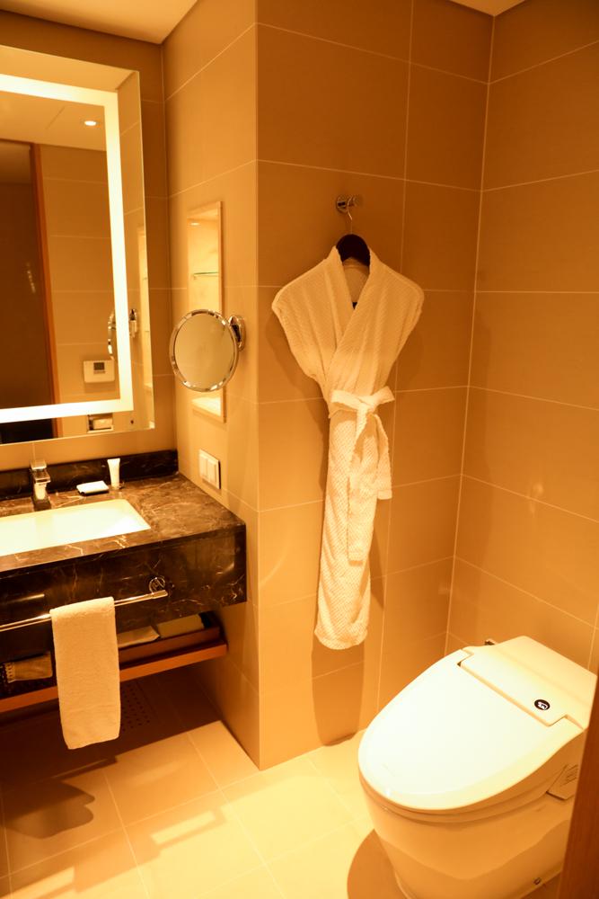 済州島 ロッテシティホテル 洗面所