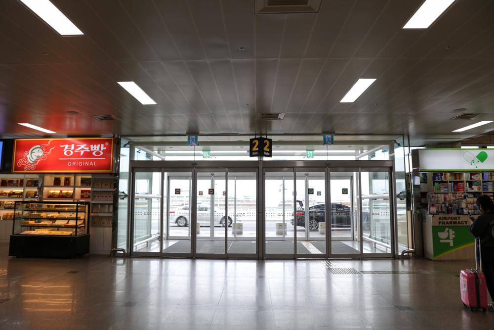 釜山 金海空港 国内線 ターミナルビル2階 出入口
