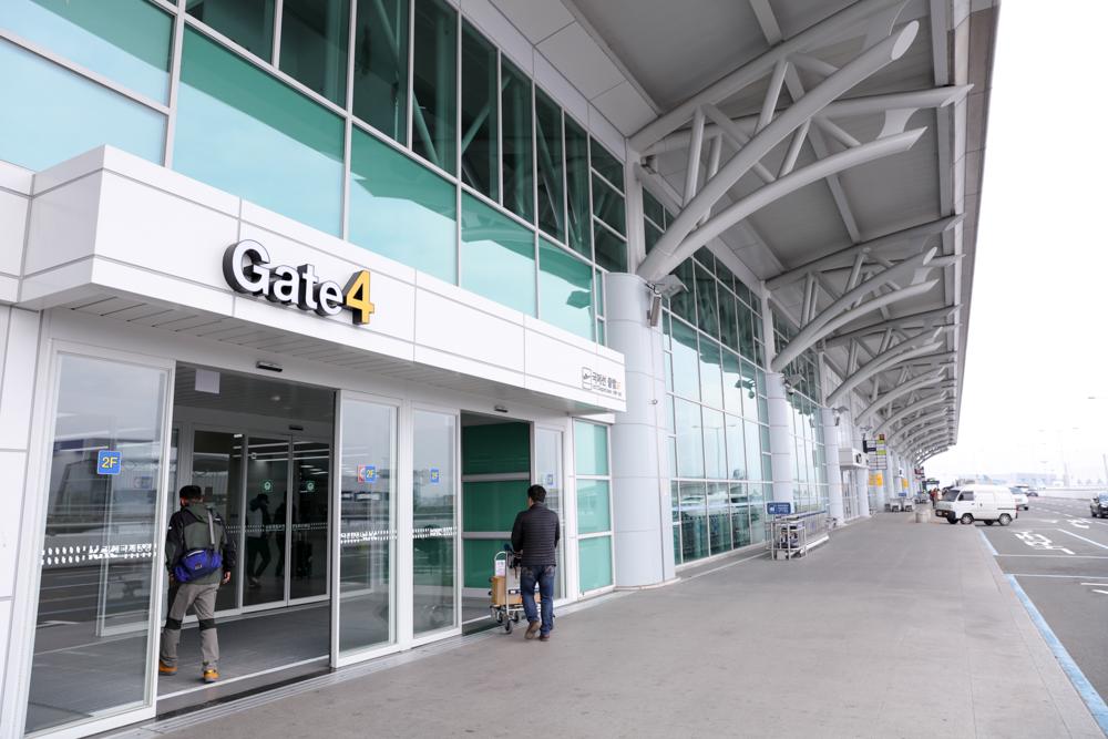 釜山 金海空港 国際線ターミナルビル出入口