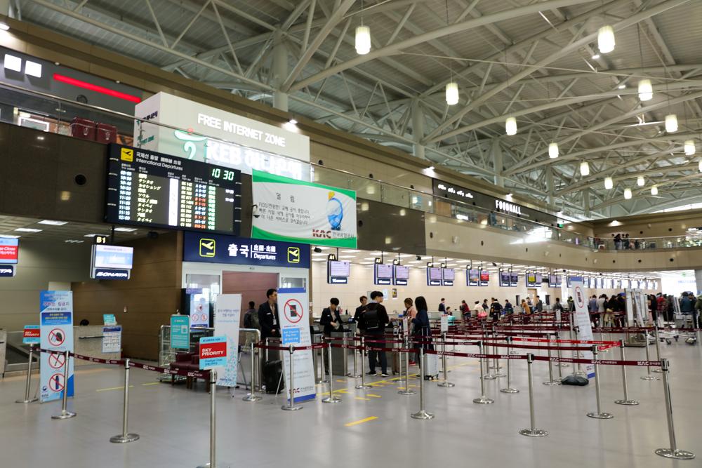 釜山 金海空港 国際線チェックインカウンター