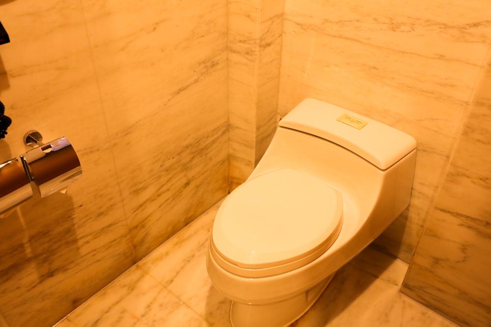 ヒルトン虹橋ホテル デラックスルーム トイレ