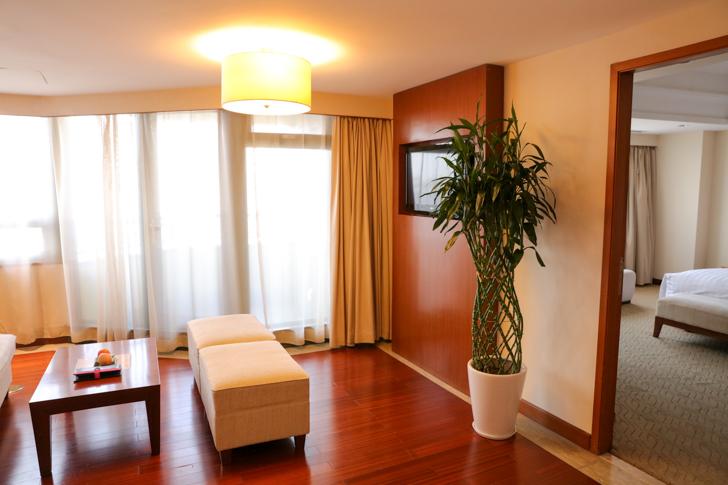 グランドメルキュール上海虹橋 客室2501 玄関