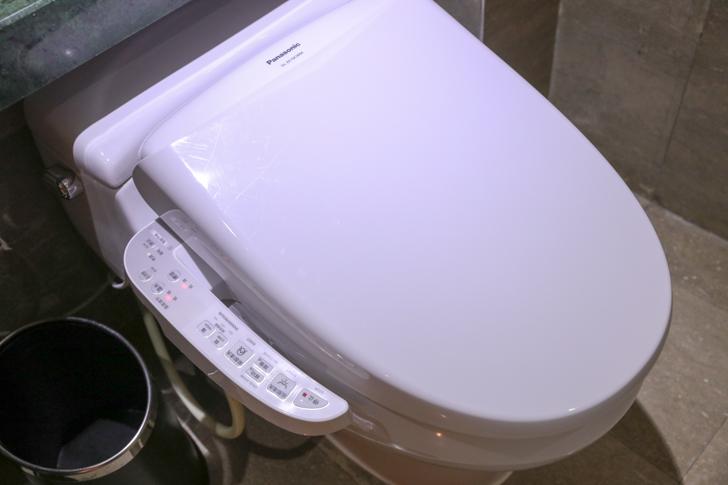 グランドメルキュール上海虹橋 客室2501 ウォシュレット付きトイレ