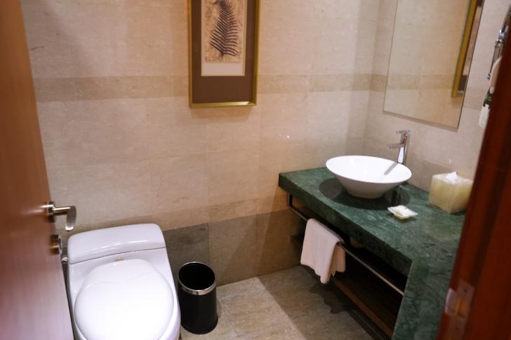 グランドメルキュール上海虹橋 客室2501 バスルーム2