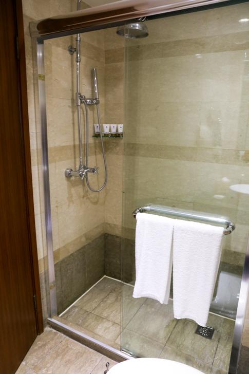グランドメルキュール上海虹橋 客室2501 シャワールーム
