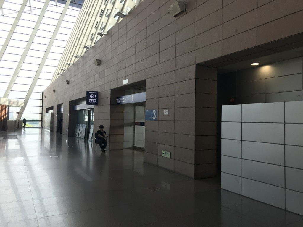上海浦東空港 出発ロビー出口