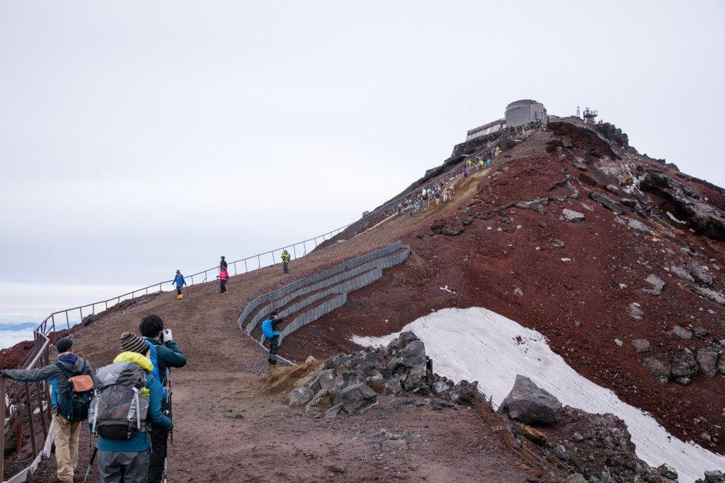 富士山 剣ヶ峰手前 馬の背1