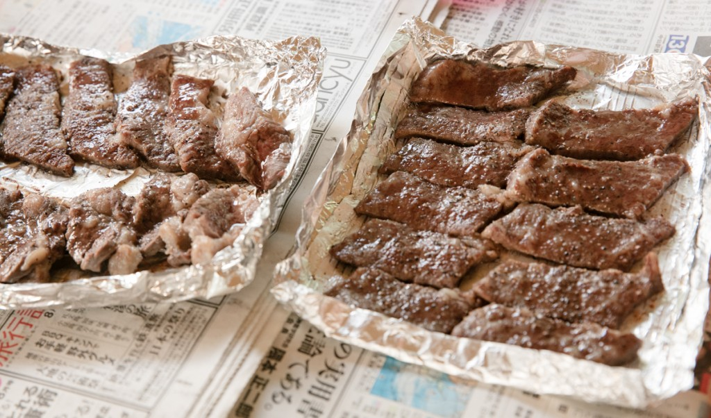 知内浜オートキャンプ場 ピザ釜で焼いた肉